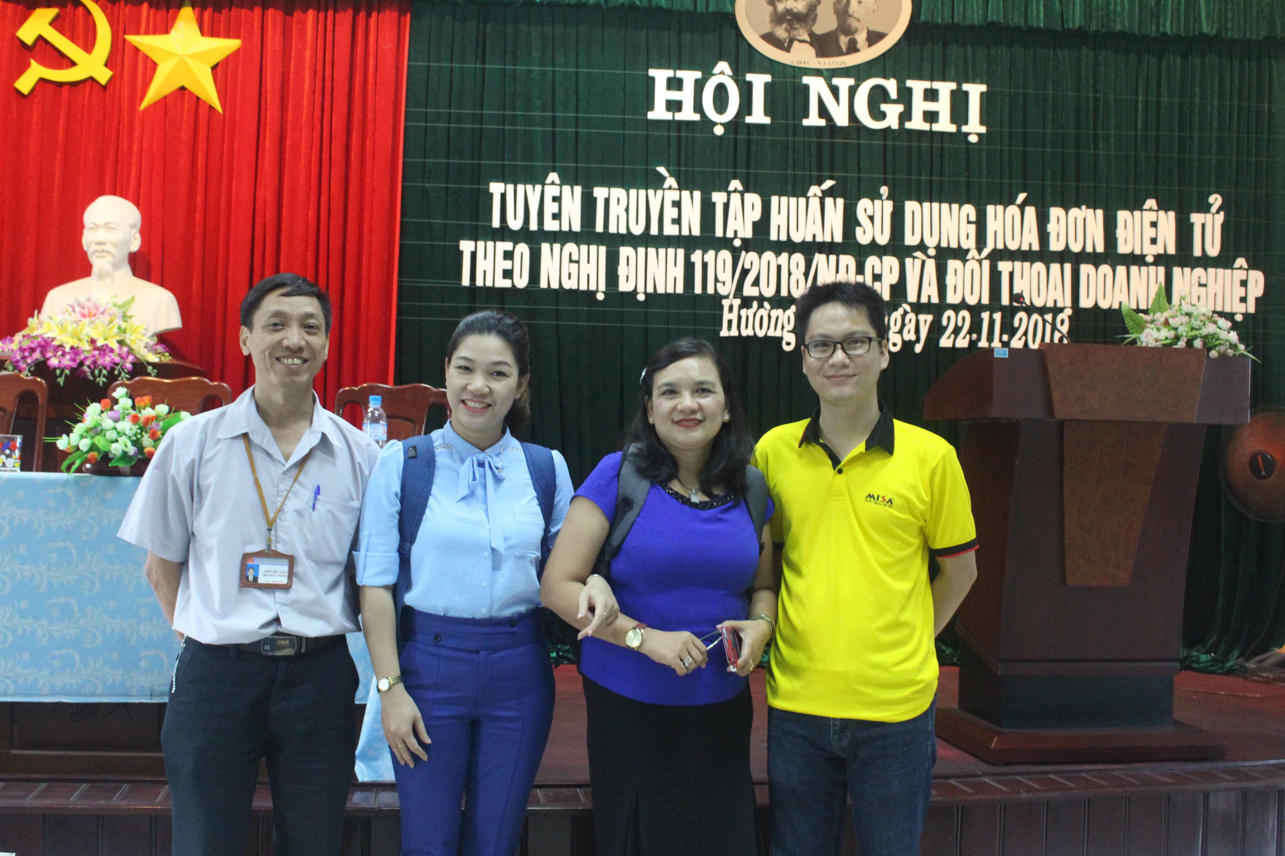 Hội nghị tuyên truyền tập huấn sử dụng hóa đơn điện tử của Chi Cục thuế thị xã Hương Thủy